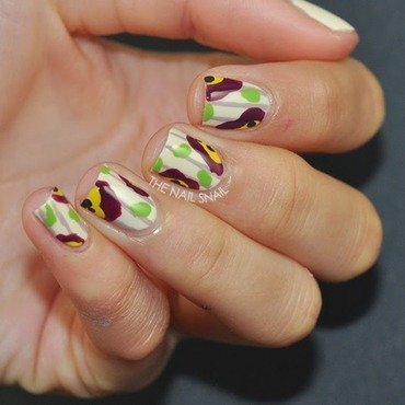 Blobby Floral nail art by Lucy (the Nail Snail)