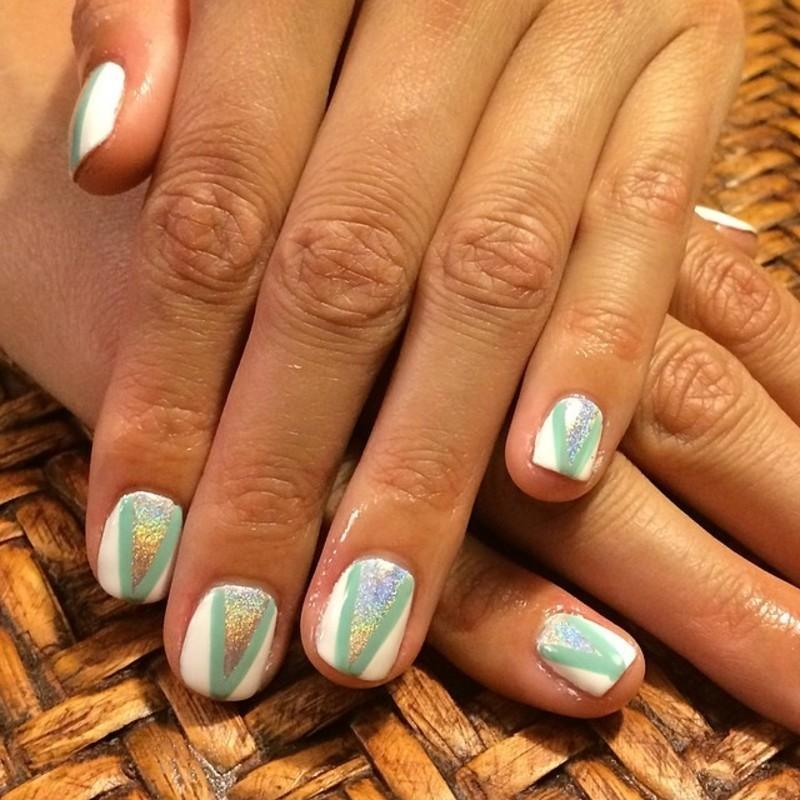 HoloAddict nail art by Cami Grimaldi