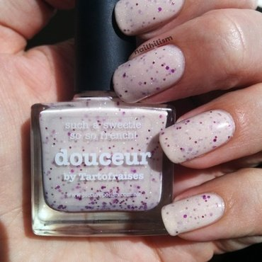 piCture pOlish Douceur Swatch by Harriet Lockett