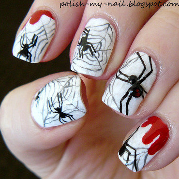 Halloween spiders nail art by Ewlyn