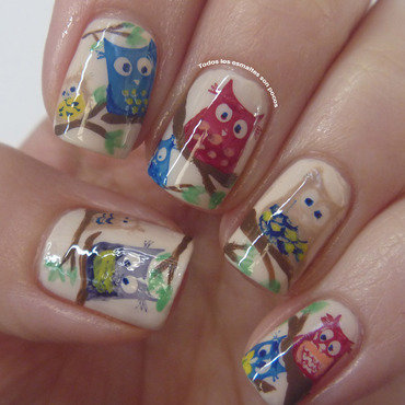 Buhitos nail art by Maria