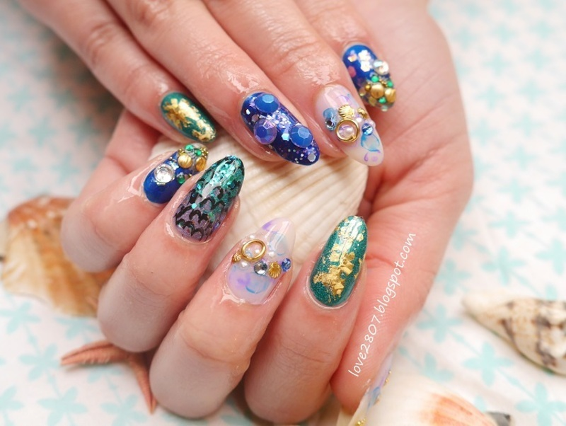 A mermaid's treasure nail art by Anhy