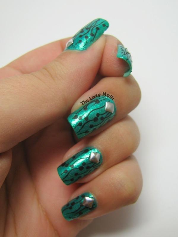 Kiwi-like stamping nail art by Hadas Drukker