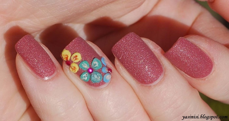 Acrylic flowers nail art by Yasinisi