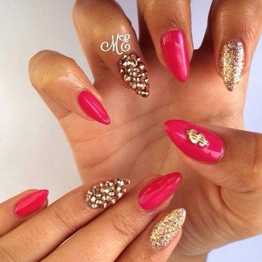 Fierce Rose Gold nail art by Miriam