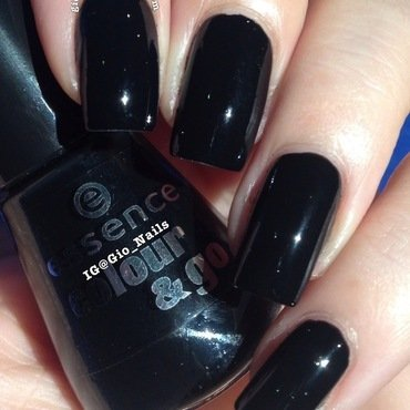 Essence Colour&Go Black Is Black Swatch by Giovanna - GioNails
