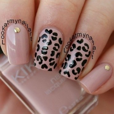 Nude leopard print nail art by Sabine