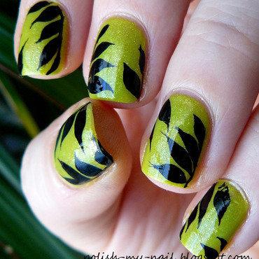Avon divine lime   leafs 3 thumb370f