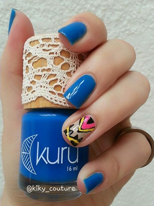 Kuru Iris Swatch by Ximena Echenique