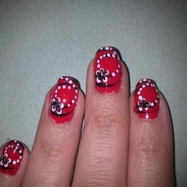 Rojo enredadera nail art by Diana elpotilugar
