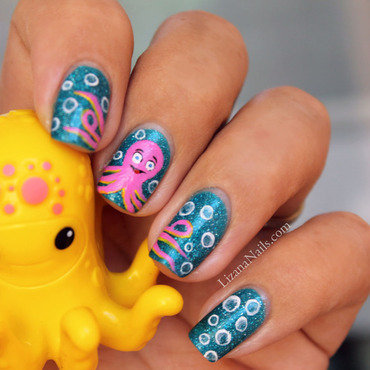 Cartoon Octopus nail art by Lizana Nails