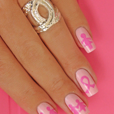 161   nail art octobre rose thumb370f