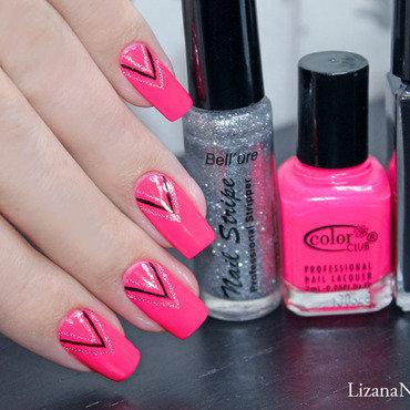 Pink Neon nail art by Lizana Nails