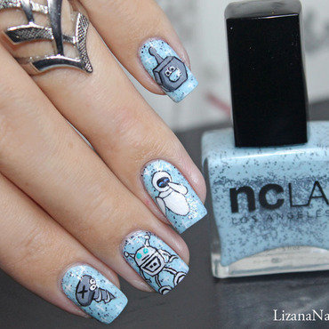 Robot nail art by Lizana Nails