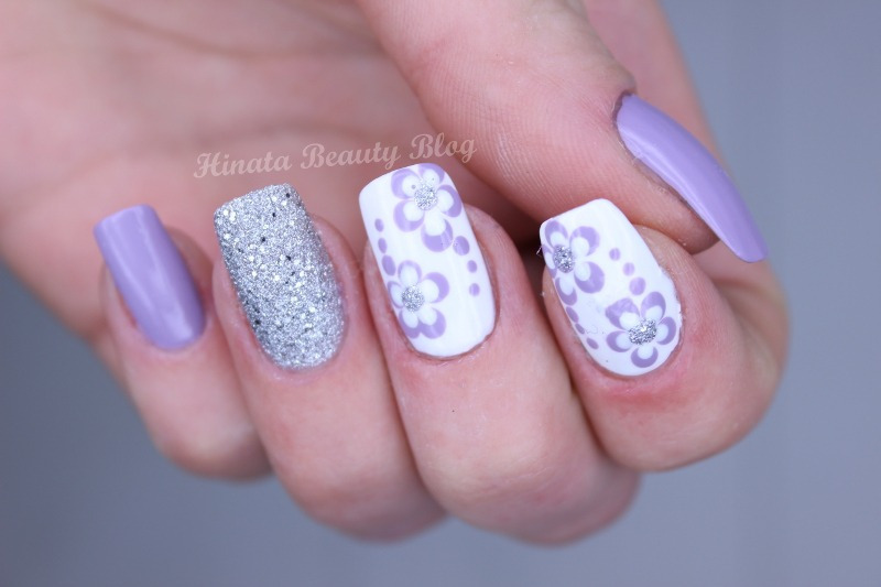 Lilac Flowers & Silver Dust nail art by Hinata