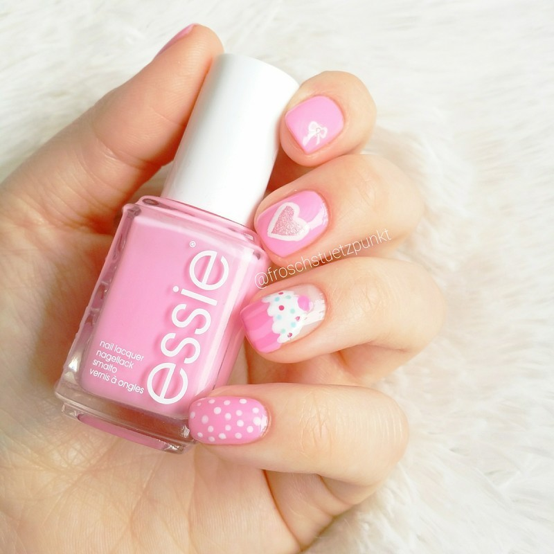 Pink Cupcake Heart Bow Dots nail art by froschstuetzpunkt