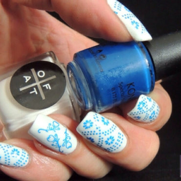 Delft Blue nail art by Viv