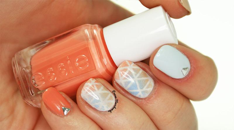 sweet triangles nail art by Panna Marchewka
