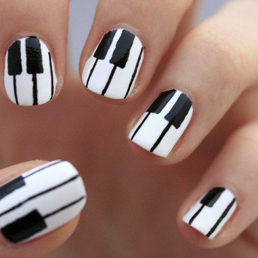 Piano nail art by NerdyFleurty