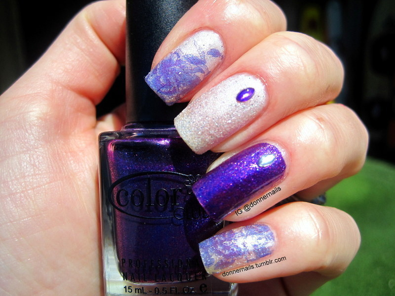 Purple flowers nail art by Donner