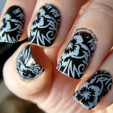 Black&white nail art by Ewlyn