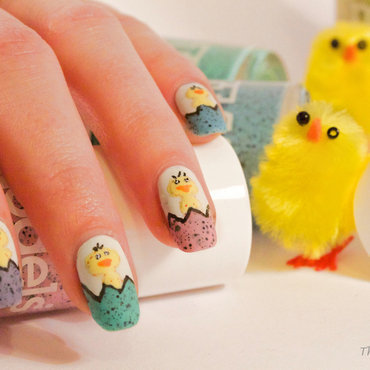 Easter Chicks nail art by The Naily Mail