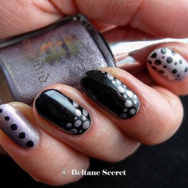 Polka Dots nail art by Virginie