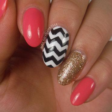 Chevrons nail art by Natasha