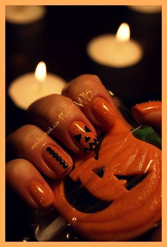 Halloween. nail art by Paula215. NAILS