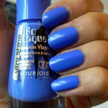 Bourjois Bleu Fabuleux Swatch by Aysha Baig