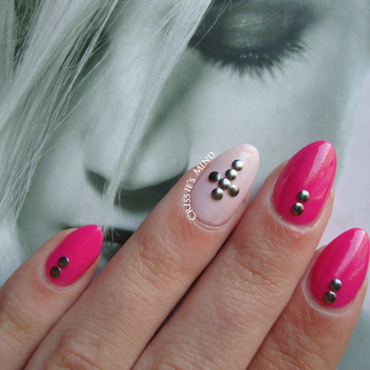 N. pink nails and studs thumb370f