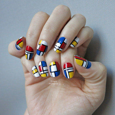 Mondrian-inspired  nail art by simplynailogical