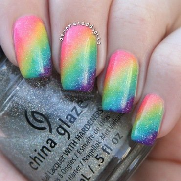 Rainbow gradient nail art by Jordan