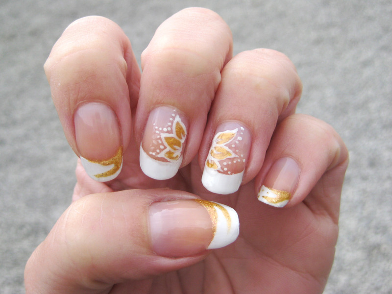 White N Gold Nail Art By Vicky Nailpolis Museum Of Nail Art