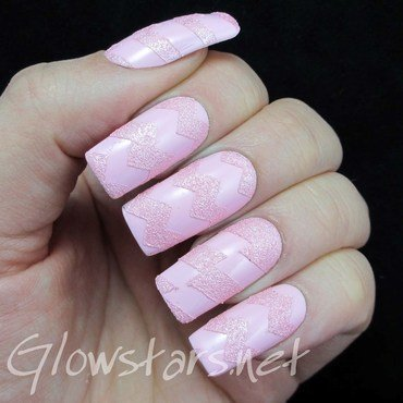 The Digit-al Dozen Does Texture: Pink nail art by Vic 'Glowstars' Pires