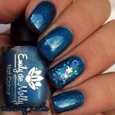 Emily de Molly Indigo Flow and Emily de Molly Falling Skies Swatch by Nicole