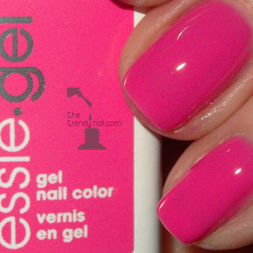 Essie On My Team Swatch by thetrendynail