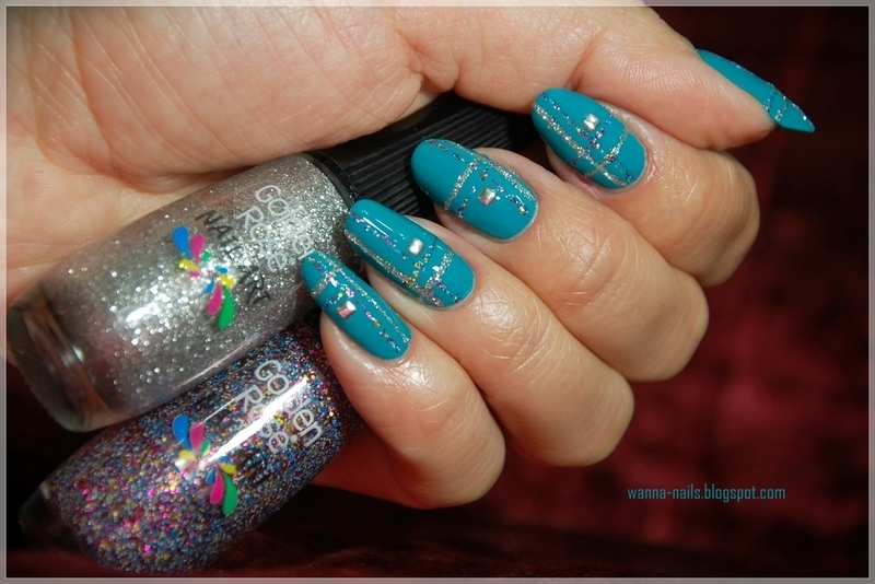 Plaid nails nail art by Oana Chiciu