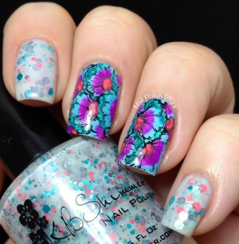 Faintly Floral nail art by Nail Polish Wars