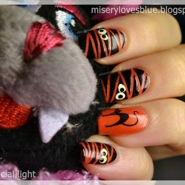 Funny Mummy and a Cat... nail art by MiseryLovesBlue