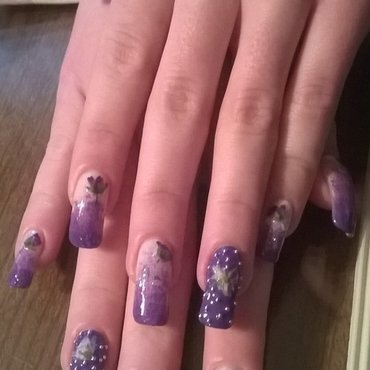 Blingy dried flower nail art - BEAD IT nail art by Mila