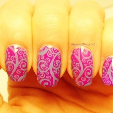 Swirls  nail art by Angelique Adams