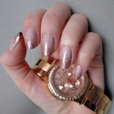 Rose gold glitter gradient nail art by simplynailogical