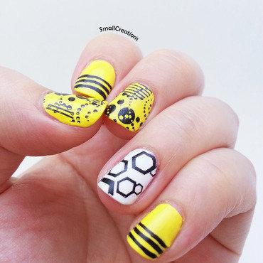 Bzz Bzz nail art by Mel