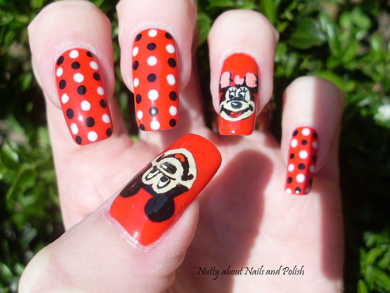 Mickey and Minnie Mouse nail art by Tracey - Bite no more