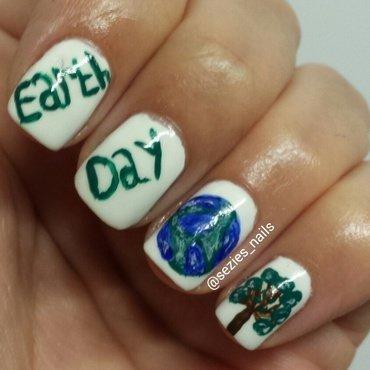 earth day nails nail art by Sarah Bellwood