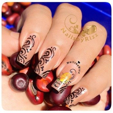 A THING FOR SWIRLS nail art by Nailsbyrizz