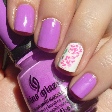 Radiant Orchid manicure nail art by Maria