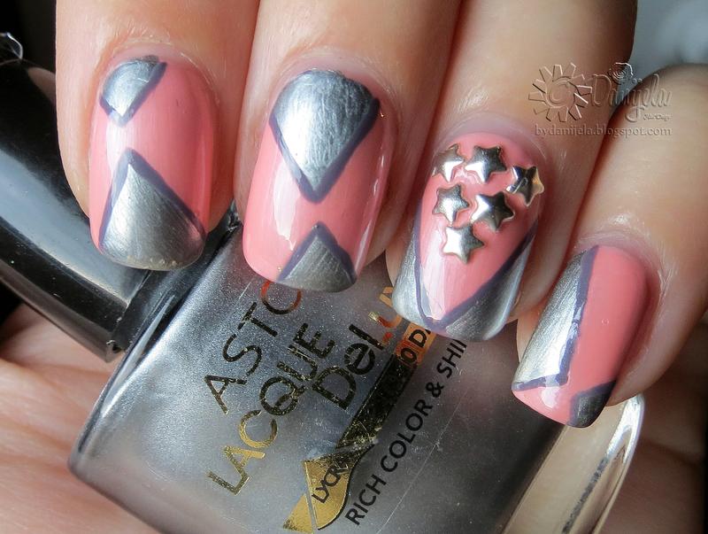 Metalic triangles with stars nail art by bydanijela