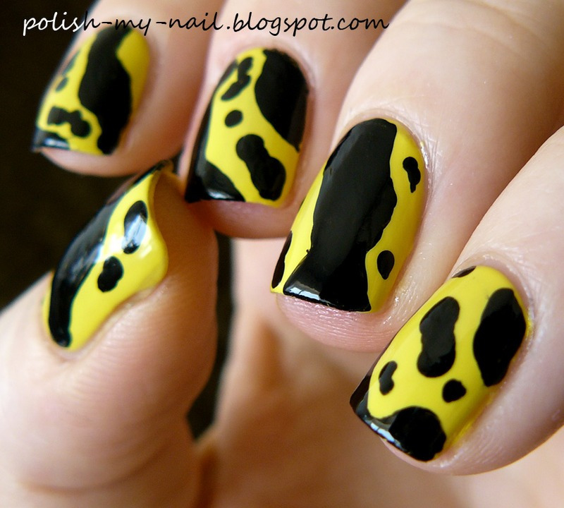 Poison frog II nail art by Ewlyn